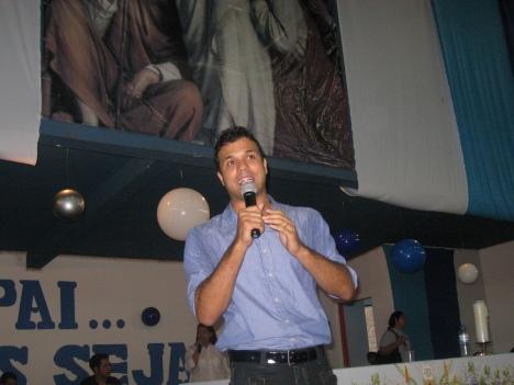 Padre Alessandro - Brasília-DF - Natural de Ituitaba - Mg